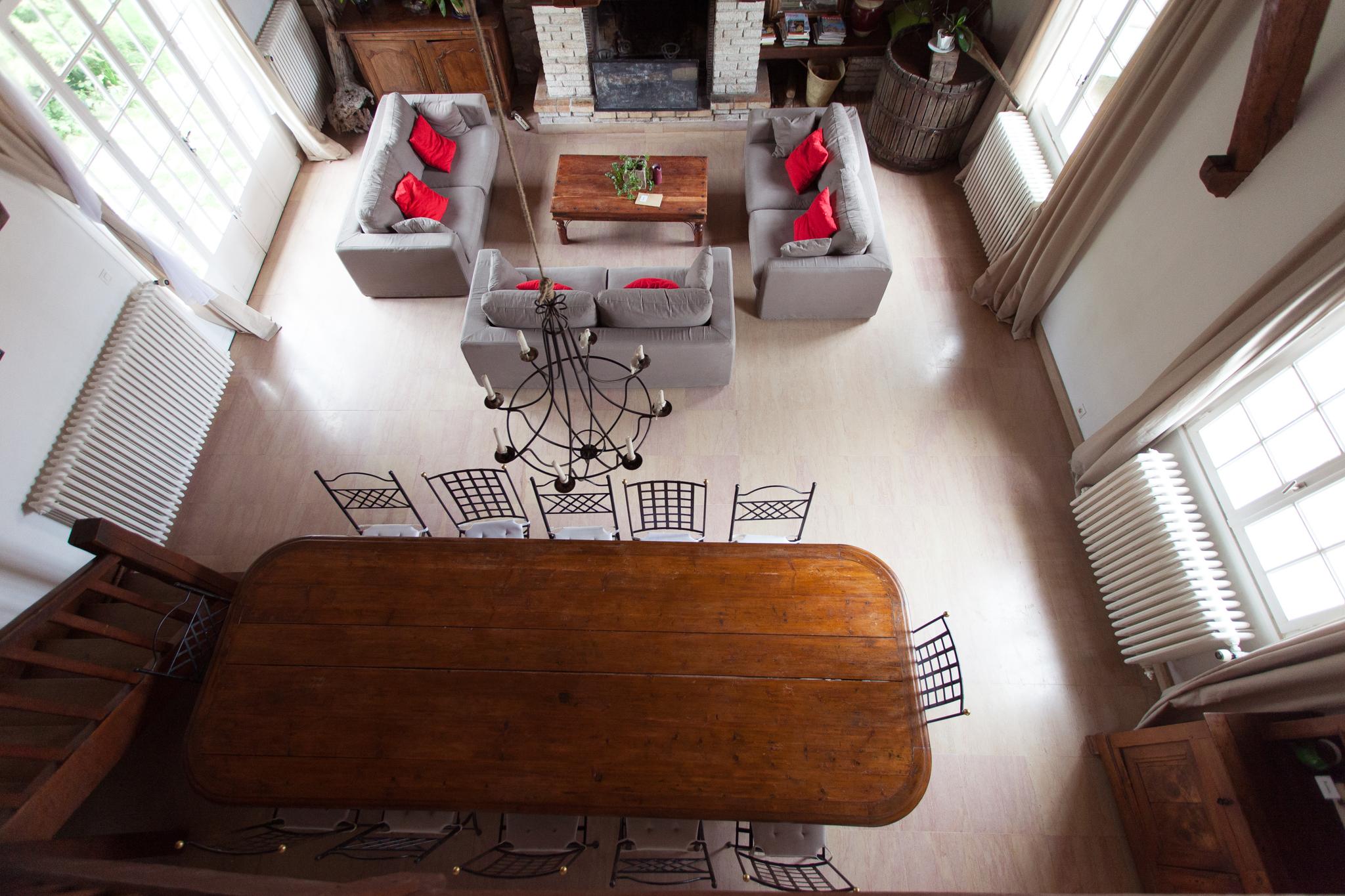 la maison la p pini re. Black Bedroom Furniture Sets. Home Design Ideas